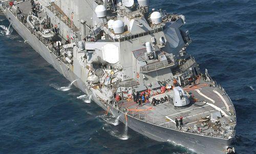 Tàu khu trục Mỹ đâm tàu hàng Philippines là do đâu? - Ảnh 1
