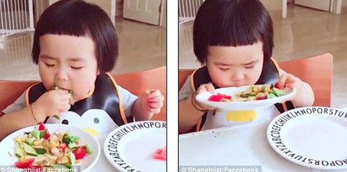 """Hình ảnh đáng yêu của ''cô bé háu ăn'' khiến cộng động mạng """"phát thèm"""" - Ảnh 2"""