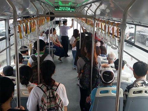 Xe buýt nhanh BRT có quá tải trong giờ cao điểm? - Ảnh 4