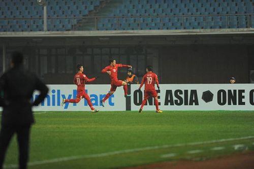 U23 Việt Nam 3 - 3 U23 Iraq (luân lưu 5 - 3): Chiến thắng ngoạn mục, cảm xúc vỡ òa! - Ảnh 1