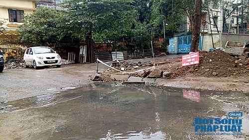 """Hà Nội: Có người """"bảo kê"""" bãi xe không phép tại phường Xuân La, quận Tây Hồ? - Ảnh 2"""