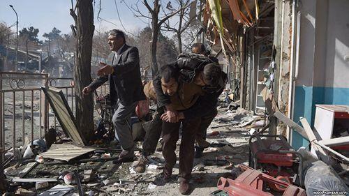 Afghanistan tuyên bố quốc tang sau vụ tấn công làm ít nhất 338 người thương vong - Ảnh 1