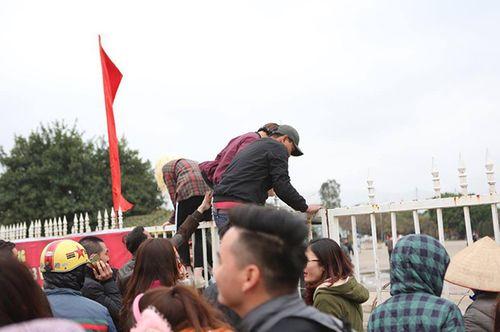 """SVĐ Mỹ Đình ngày càng """"nóng"""" chờ sự xuất hiện của U23 Việt Nam - Ảnh 3"""