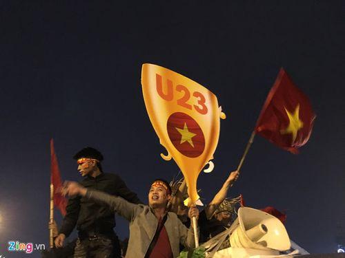 """SVĐ Mỹ Đình ngày càng """"nóng"""" chờ sự xuất hiện của U23 Việt Nam - Ảnh 7"""