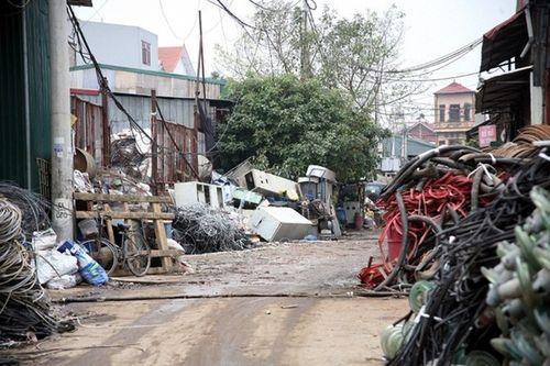 Toàn cảnh vụ nổ khiến kho phế liệu nghiêm trọng ở Bắc Ninh - Ảnh 10