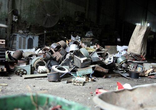Toàn cảnh vụ nổ khiến kho phế liệu nghiêm trọng ở Bắc Ninh - Ảnh 9