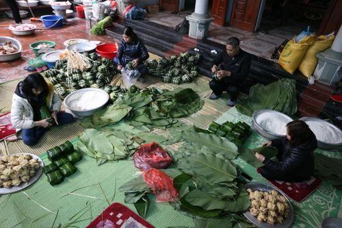 Hà Nội: Gia đình mỗi ngày gói hơn 1000 bánh chưng bán dịp Tết  - Ảnh 4