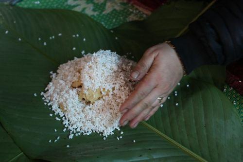 Hà Nội: Gia đình mỗi ngày gói hơn 1000 bánh chưng bán dịp Tết  - Ảnh 5
