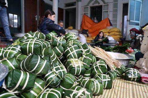 Hà Nội: Gia đình mỗi ngày gói hơn 1000 bánh chưng bán dịp Tết  - Ảnh 8