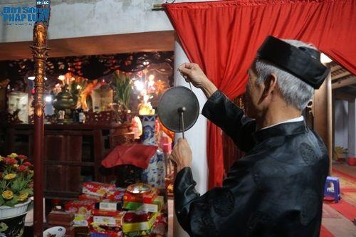 """Hà Nội: Hàng trăm người dân tham dự lễ """"Lấy Đỏ"""" đầu năm - Ảnh 1"""