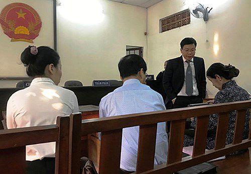 """Hoãn phiên phúc thẩm vụ kiện giữa vợ chồng """"Vua cà phê"""" Trung Nguyên - Ảnh 1"""