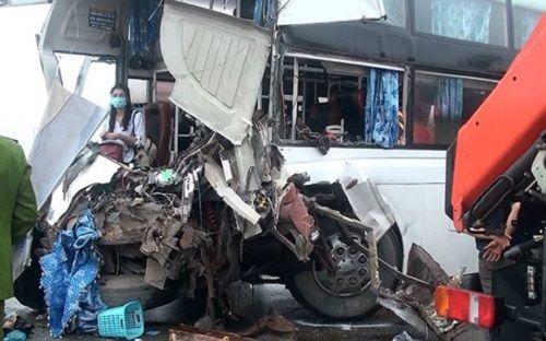 Xe khách đấu đầu xe cứu hỏa trên cao tốc Pháp Vân-Cầu Giẽ, 9 người bị thương - Ảnh 2