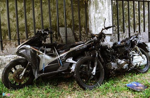 Ám ảnh những chiếc xe trơ khung, bám khói đen tại chung cư Carina - Ảnh 6