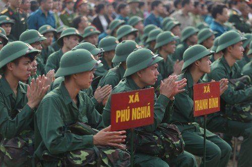 Hà Nội: Nụ cười, nước mắt tiễn tân binh lên đường nhập ngũ - Ảnh 5