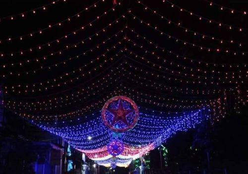 Hai vợ chồng tử vong vì đèn trang trí Noel rò điện - Ảnh 1