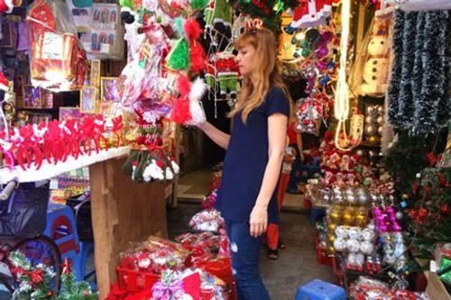 Không khí Giáng sinh lung linh sắc màu trên khắp cả nước - Ảnh 9