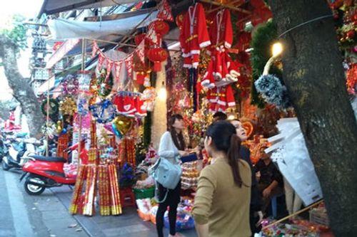 Không khí Giáng sinh lung linh sắc màu trên khắp cả nước - Ảnh 2