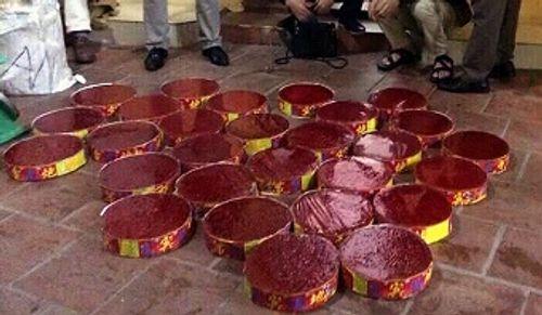 9X thuê taxi vận chuyển 34 kg pháo từ Lạng Sơn về Hà Nội - Ảnh 2