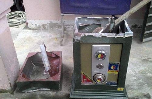 """Sài Gòn: Két sắt nặng 100 kg cùng xe SH """" biến mất"""" trong đêm  - Ảnh 1"""