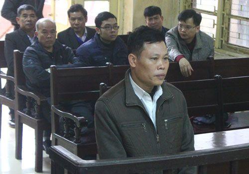Mở phiên tòa xét xử hai cựu cán bộ gây oan sai cho ông Chấn - Ảnh 1