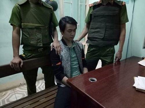 Khởi tố nam thanh niên cầm dao cướp ngân hàng ở Đà Nẵng - Ảnh 1