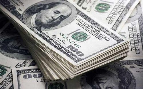 Sửa 1 USD thành 100 USD mang tới ngân hàng đổi, người đàn ông bị bắt giữ - Ảnh 1