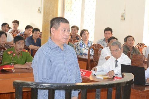 Trung tá Campuchia xả súng bắn chết người ở An Giang lãnh 25 năm tù - Ảnh 1
