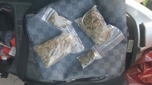 Thông tin chính thức vụ một cảnh sát PCCC bán cần sa khô cho người nghiện - Ảnh 1