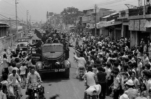 Chiến thắng vĩ đại Mùa Xuân 1975 Giải phóng miền Nam, thống nhất Tổ quốc - Ảnh 3