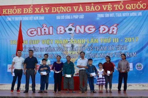 Bóng đá phủi quy tụ phố núi tranh cúp Việt Nam Xanh - Ảnh 4