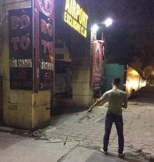 Hà Nội: Điều tra vụ thanh niên bị đâm gục trước cổng quán bar trên phố Chùa Bộc - Ảnh 1