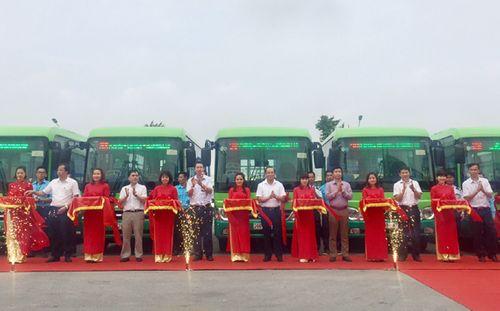 Hà Nội mở thêm 3 tuyến xe buýt mới - Ảnh 1