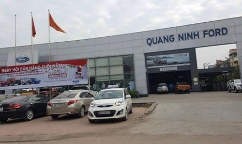 """Khách hàng """"tố"""" Ford Việt Nam càng sửa xe càng chết máy - Ảnh 1"""