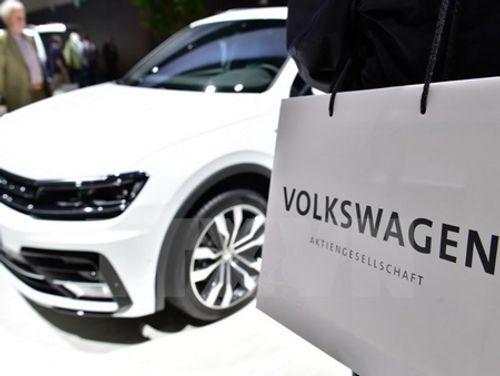 """""""Sao quả tạ"""" tiếp tục đeo bám Volkswagen dịp đầu năm - Ảnh 1"""