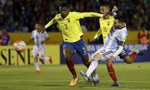 Messi tỏa sáng với cú hat-trick, Argentina giành vé dự World Cup 2018 - Ảnh 1
