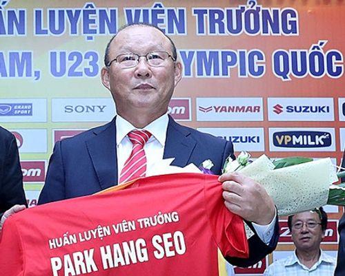 """Nhận lương 5 tỷ/năm, HLV Park Hang-seo tự tin sẽ đạt mục tiêu """"Top 100 FIFA"""" - Ảnh 1"""