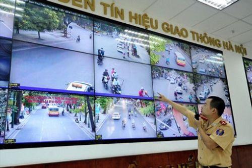 Qua camera giám sát, cảnh sát sẽ lấy thông tin để tiến hành phạt nguội. Ảnh: báo Lao Động