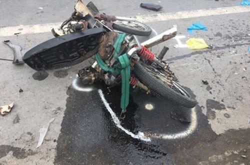 Khởi tố tài xế gây tai nạn liên hoàn khiến 6 người thương vong ở Sóc Trăng - Ảnh 1