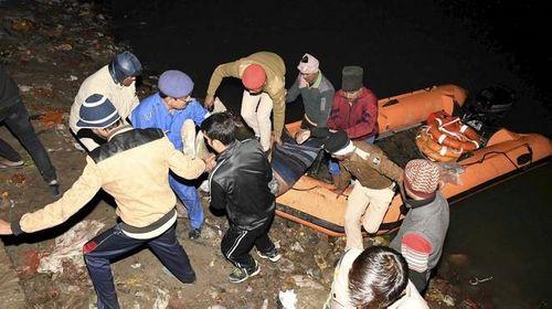 Lật thuyền tại Ấn Độ, ít nhất 19 người thiệt mạng - Ảnh 1