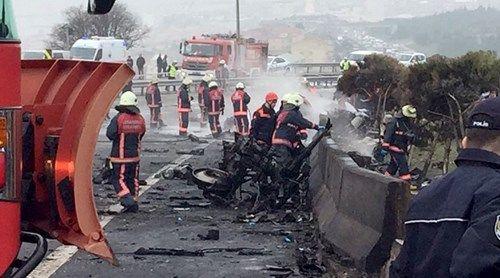 Thổ Nhĩ Kỳ: Trực thăng đâm trúng tháp truyền hình, 5 người thiệt mạng