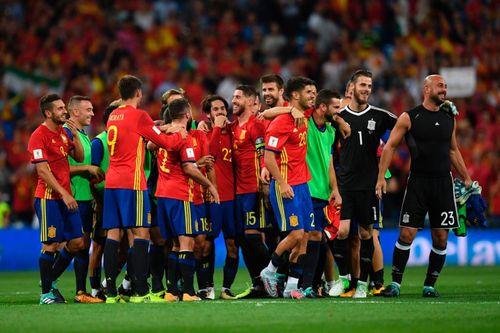 """""""Đè bẹp"""" Italia, đội Tây Ban Nha tỏa sáng - Ảnh 1"""