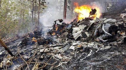 Máy bay rơi ngày cuối năm, 12 người thiệt mạng - Ảnh 1