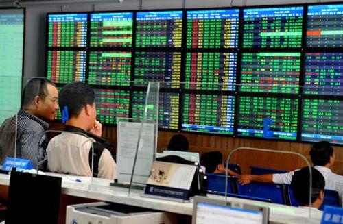 Hơn 10.000 tỉ đồng được đổ vào thị trường chứng khoán - Ảnh 1