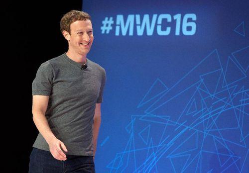 Ông chủ Facebook mất 3,3 tỉ USD sau khi thay đổi chính sách cấp tin - Ảnh 1