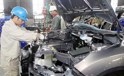 Bộ Tài chính bỏ đề xuất ưu đãi thuế cho ô tô nội - Ảnh 1