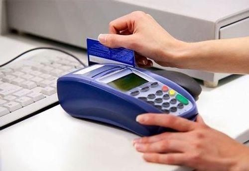 Chủ thẻ sẽ không được rút tiền mặt tại máy POS  - Ảnh 1