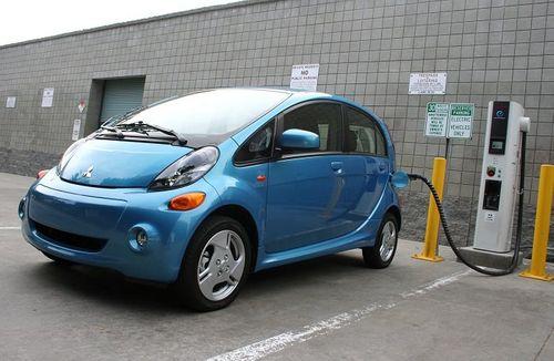 Bộ Công thương và Mitsubishi Motors hợp tác nghiên cứu ô tô điện - Ảnh 1