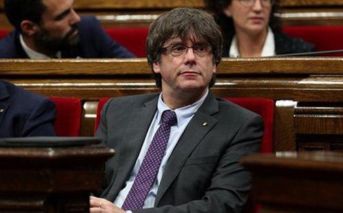 Tây Ban Nha quyết ngăn ông Puigdemont về nước nhậm chức - Ảnh 1