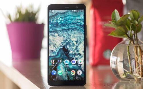 """HTC U12 sẽ không ra mắt tại MWC 2018 vì tránh """"đụng độ"""" Samsung Galaxy S9 - Ảnh 1"""