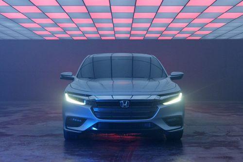 """Honda Insight bất ngờ """"tấn công"""" phân khúc sedan hạng sang - Ảnh 1"""